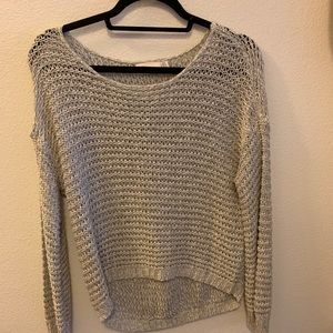 NWOT soft knit sweater w front crop